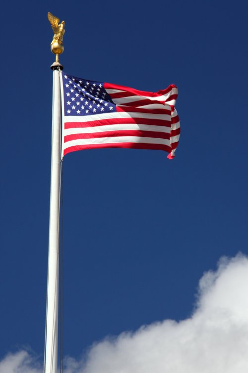american_flag_in_wind_190292